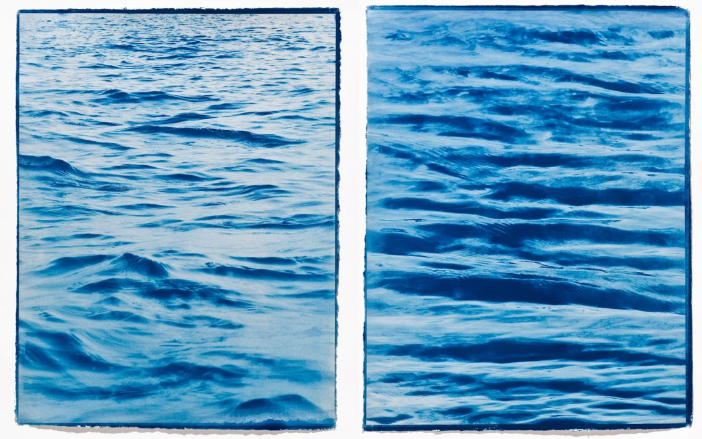 two pictures of waves